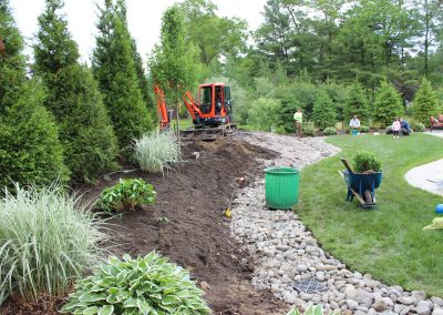 excavating-new-plantings-4